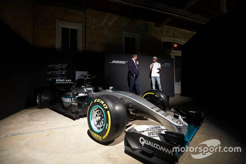Realidad Virtual en la F1 ! #couplegoals